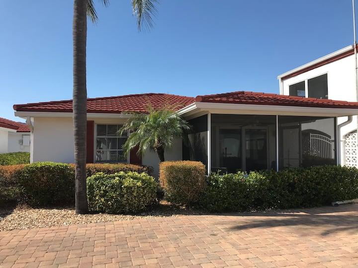 Siesta Key-Villa/private beach/pool/GREAT location