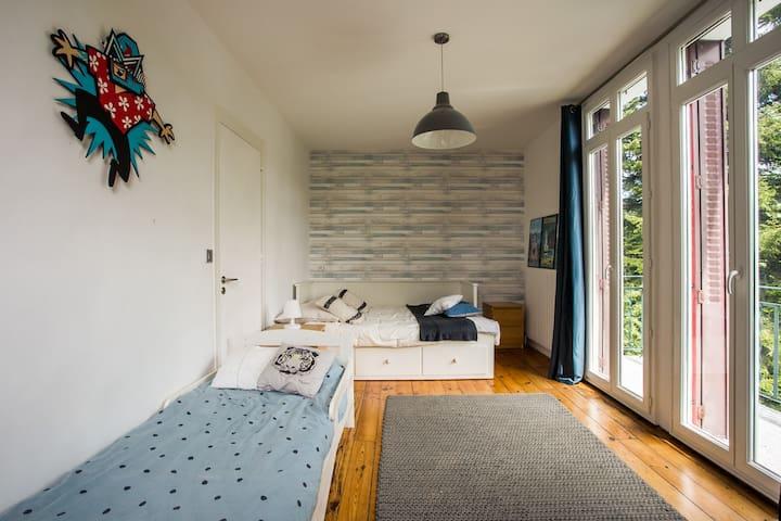 Chambre du 2e avec lit extensible double et lit simple