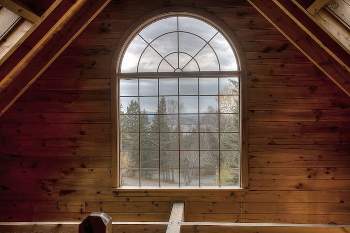 33 Loop Road - Log cabin in the Overlook, with shared access to Rangeley Lake