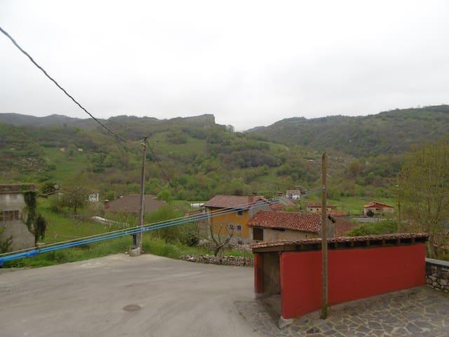 Casa Criseva - Oriente de Asturias