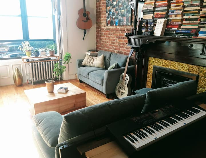 Lovely Light-Filled Room in Brooklyn Townhouse!