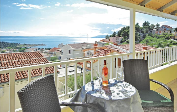 Awesome home in Makarska with WiFi and 2 Bedrooms