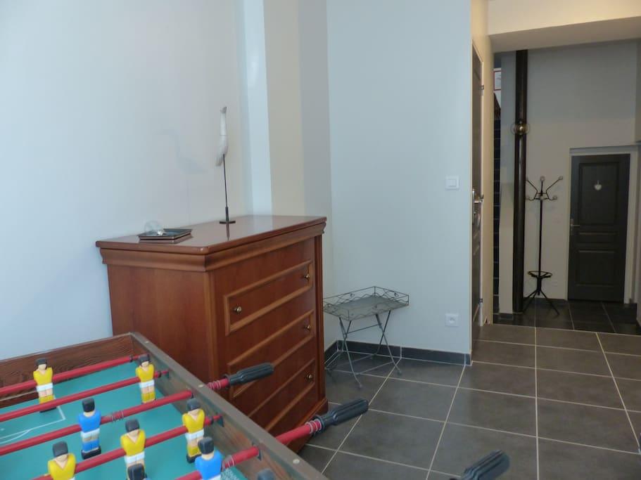 t2 meubl le vintage apartments for rent in saint genis les olli res rh ne alpes france. Black Bedroom Furniture Sets. Home Design Ideas