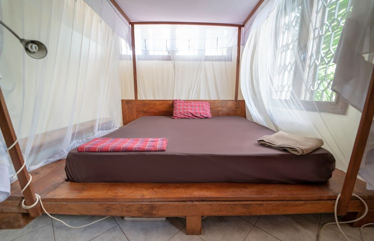 Cosy double master room (MASTER BEDROOM MLIMA)
