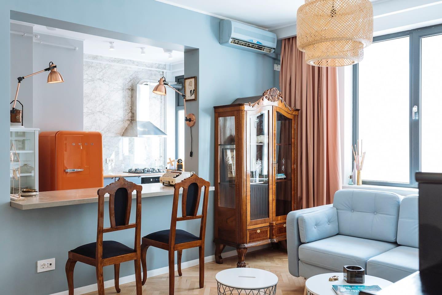 Exquisite Old Town Modern Retro Apartment