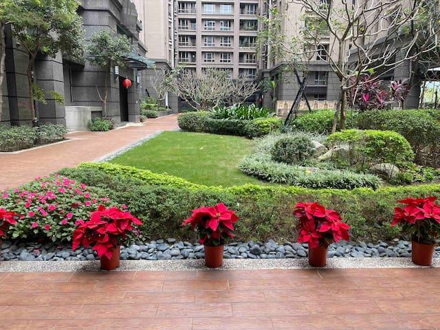 【6mins to MRT】Happy Garden 一樓高挑空間 #迪士尼主題房