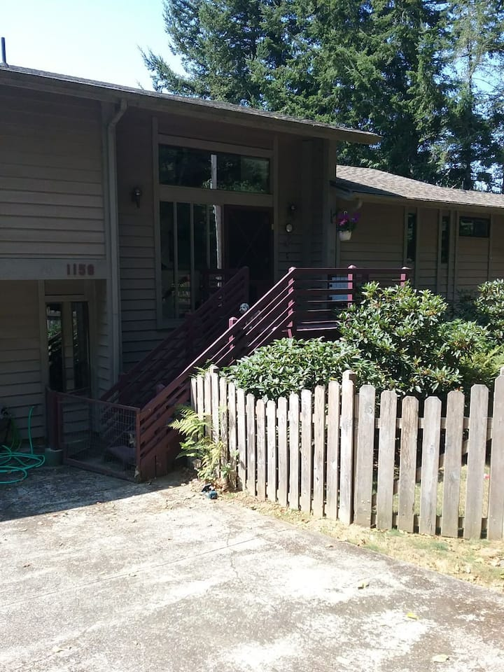 Coos Bay Home with a view