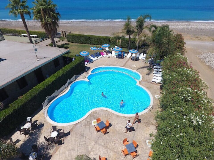 B&B IL GERANIO - MARE  beach room with breakfast
