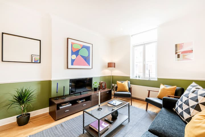 WEST END SHAFTESBURY AVE TWO-BEDROOM APARTMENT