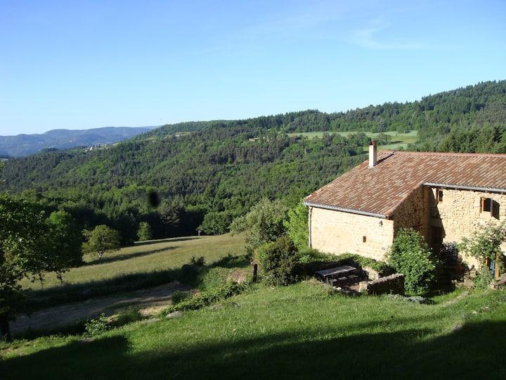 La maison du pré, nature, terrasses et jolie vue