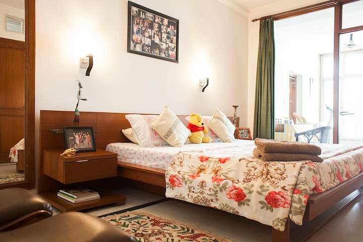 HomeStay for Professionals - Noida - Ev