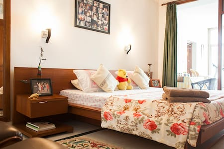 HomeStay for Professionals - Noida - Hus