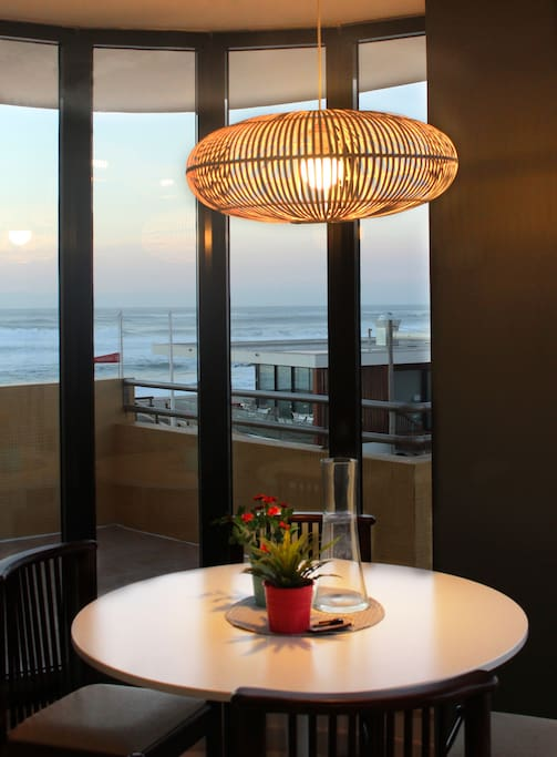 zona de refeição, com vista sobre o mar   dining area with sea view
