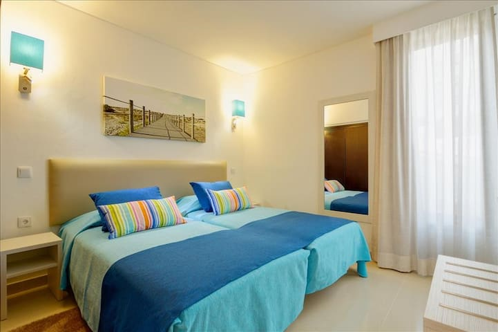 Deluxe Sea View 3 Bedr Apt 6Ad+2Ch til 14 years