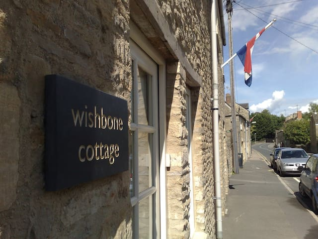 Wishbone Cottage In The Cotswolds - Fairford - บ้าน