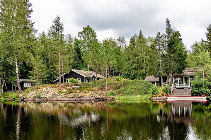 Eget hus med magnifik sjöutsikt, bastu och brygga