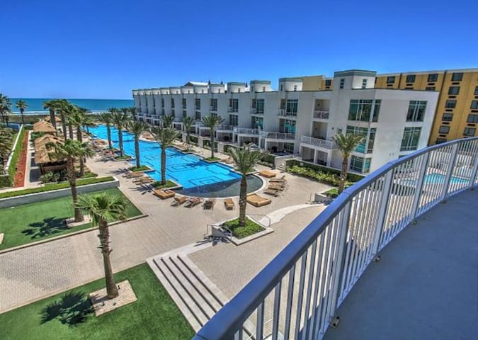 Luxury Sapphire Oceanfront Condo! Newly remodeled!