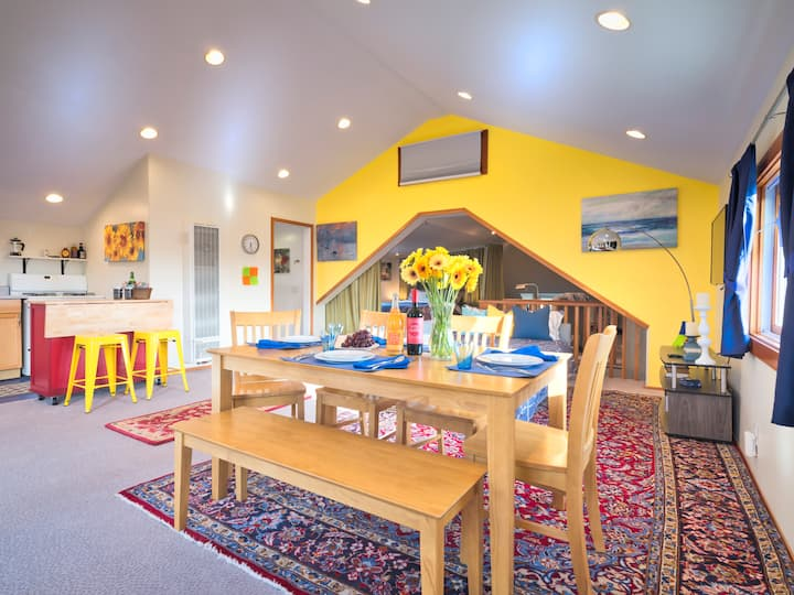 Berkeley Sunny, Eclectic,  Abode. Remote-, business-friendly