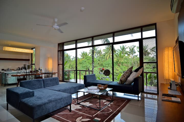 Family 2 beds pool villa with kitchen in Ubud