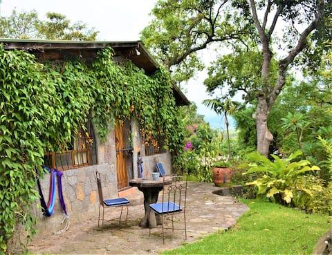 Stone cottage w. kitchen 1-5 pers. Posada Santiago