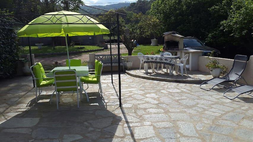 Belle petite Villa proche plage - Penta-di-Casinca - Dom