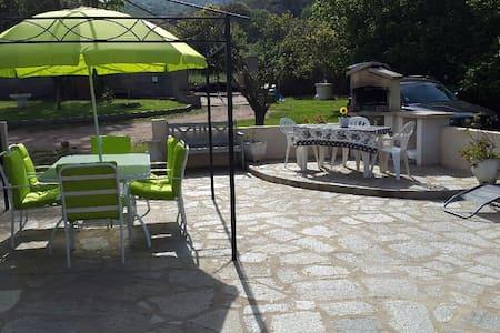 Belle petite Villa proche plage - Penta-di-Casinca - Hus