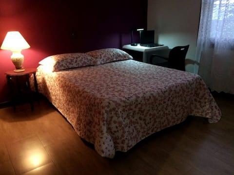 linda Suite nº 2.Casa. Piscina.Centro.Avaré/SP