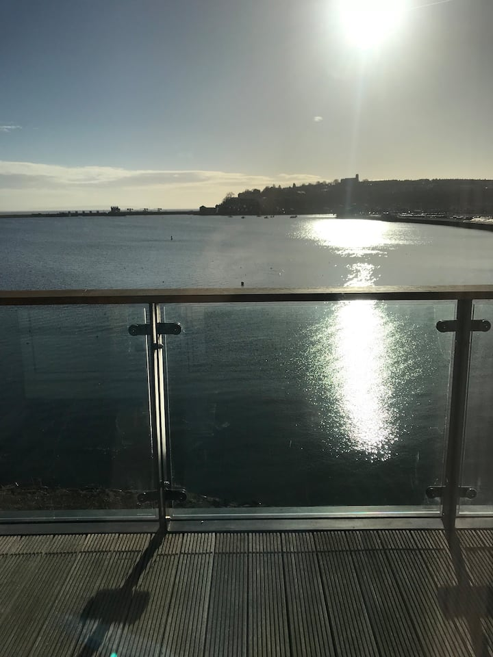 Double bedroom in Cardiff Bay