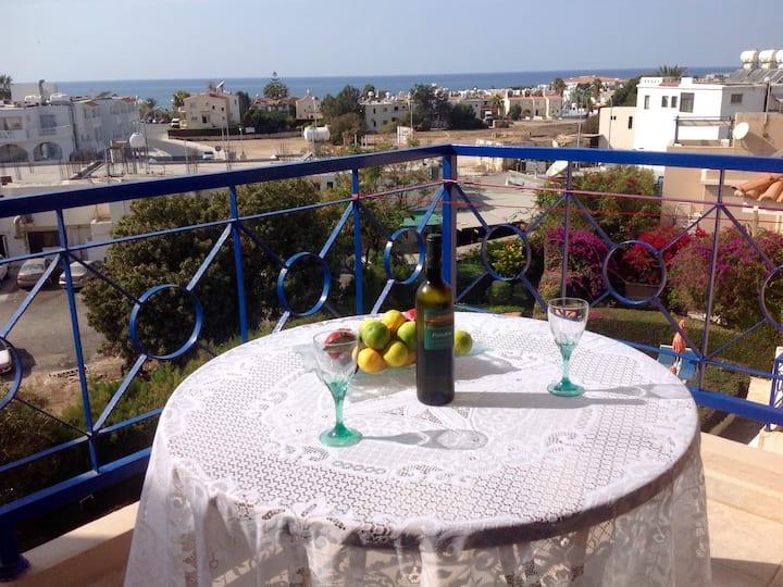3-Bedrooms sea view apt. In Paphos