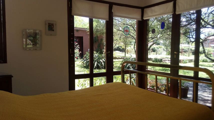 Views from the guests bedroom - Vistas desde la habitación de huéspedes