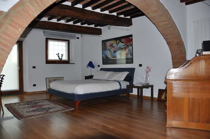 Quietness and culture in Tuscany - Cortona - House