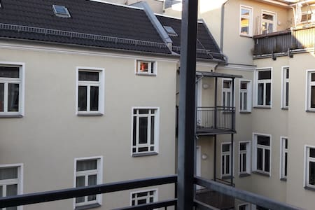 Apartment in Prenzlauer Berg w/ balcony - Berlin