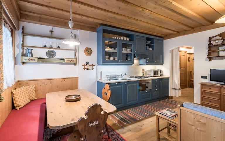 Zona salotto e cucina