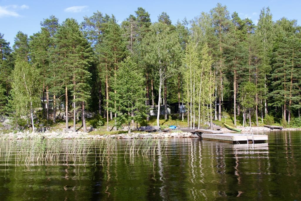 Villa and guest room & sauna are hidden in the forest