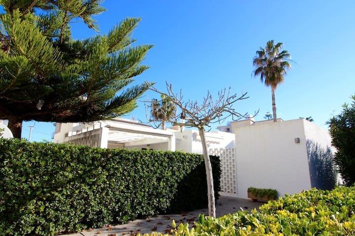 Mediterranean chalet. Beach 50m. - Can Picafort - Villa