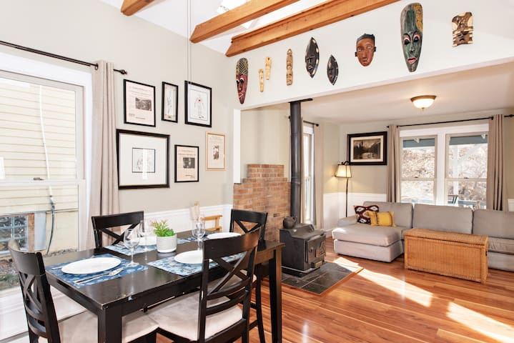 Victorian Home Within Steps to Downtown and Pools!