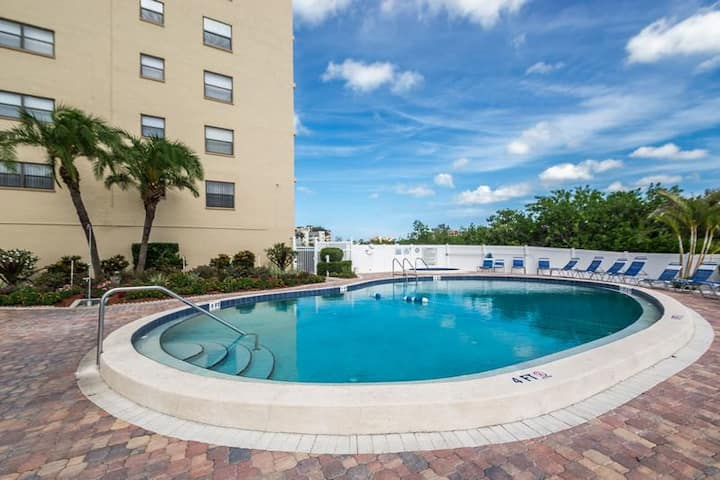 2 bedroom condo with Water view & only steps to the beach (BYTC603)