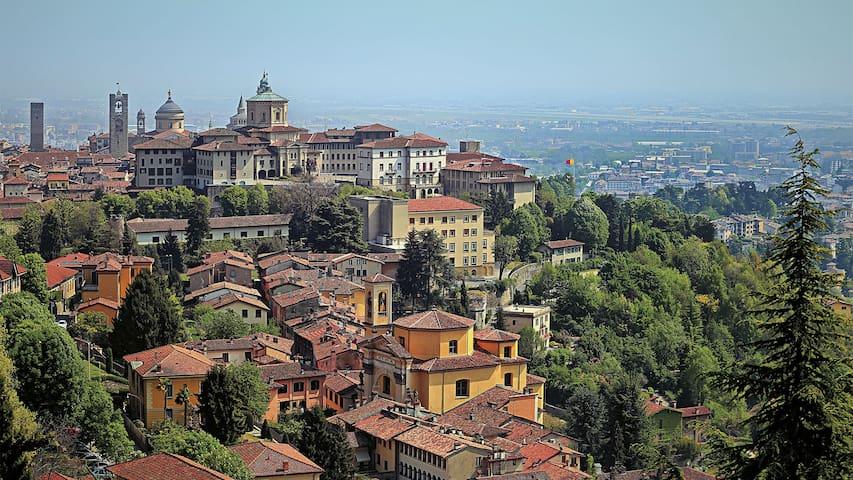 Large private room near Città Alta, Bergamo