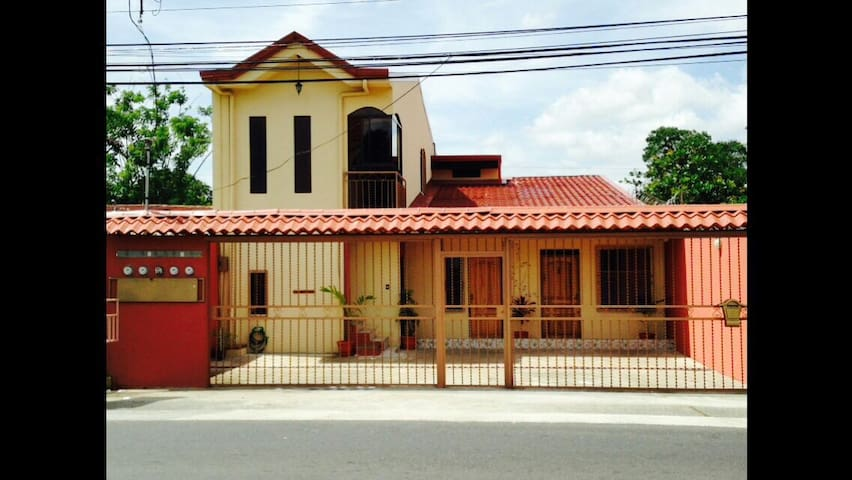 Tortuguero Inn