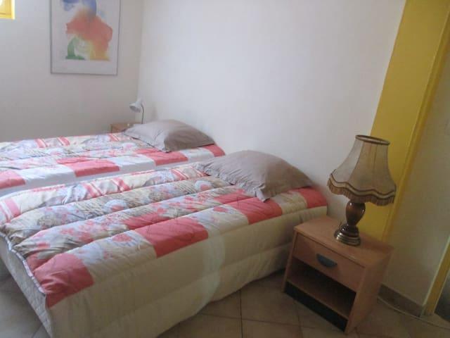 Chambre privée dans maison - Grézieu-la-Varenne