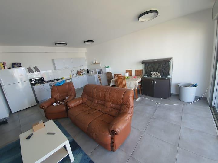 חדר פרטי בדירה מדהימה