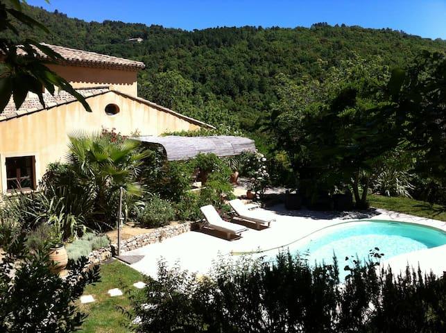 villa dans le golf de Saint Tropez
