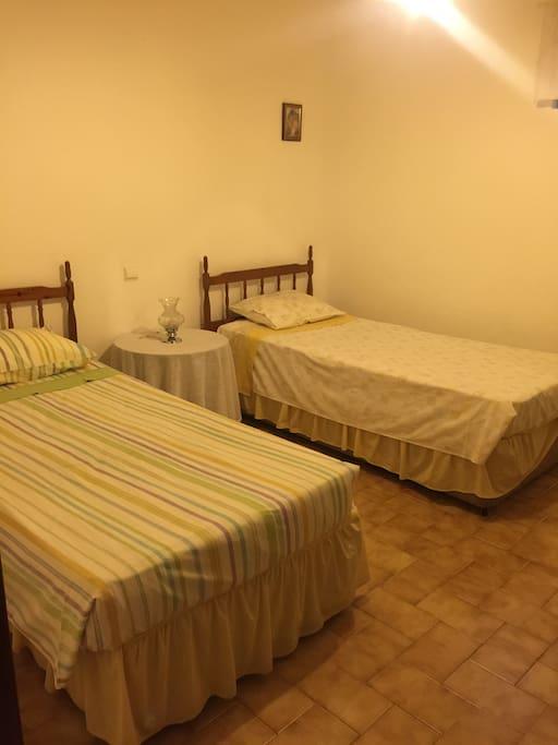 Double bedroom - twin bed
