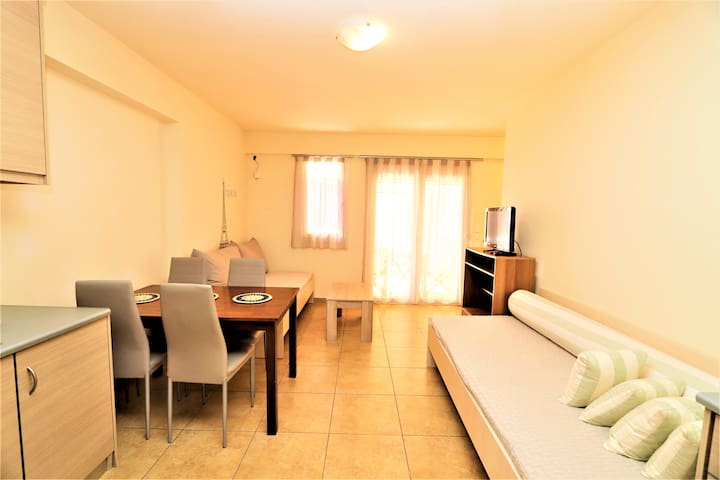 A lovely flat with 2 separate rooms!