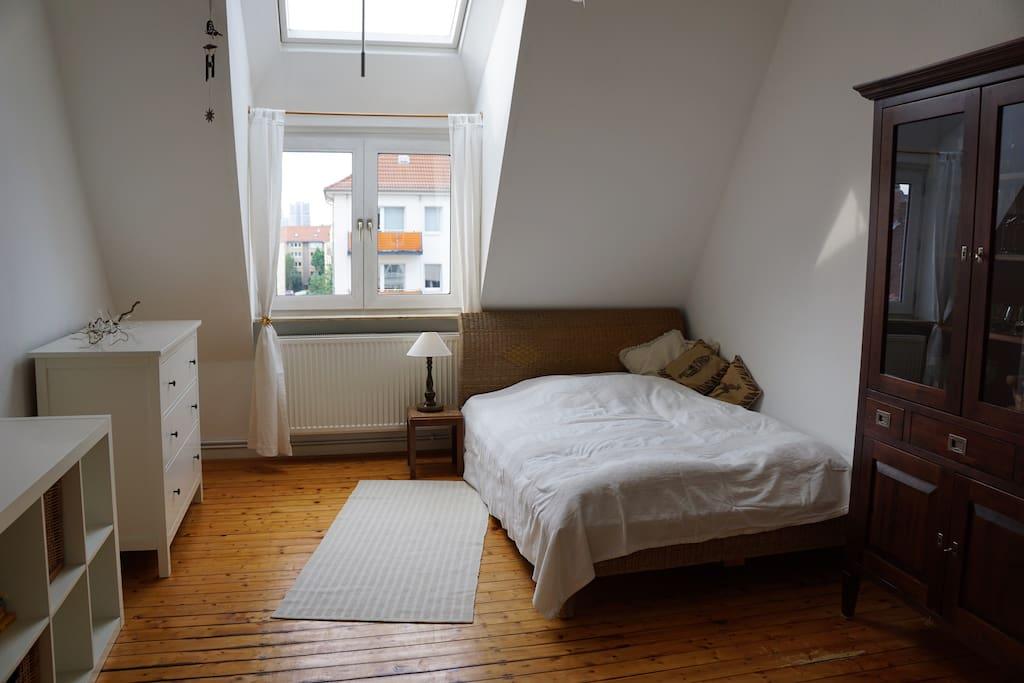 tolle altbauwohnung mit charme und 2 zimmern condos zur miete in hannover niedersachsen. Black Bedroom Furniture Sets. Home Design Ideas