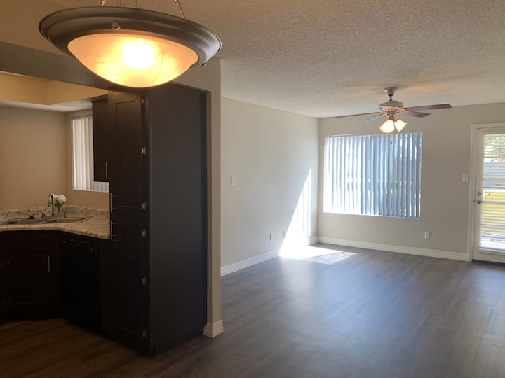 Newly renovated spacious apartment move in ready!!