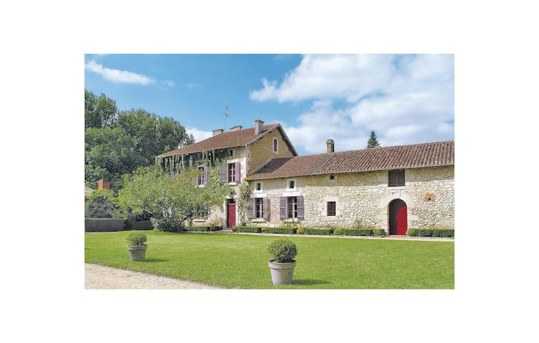 Semi-Detached with 3 bedrooms on 160 m² in Annesse et Beaulieu