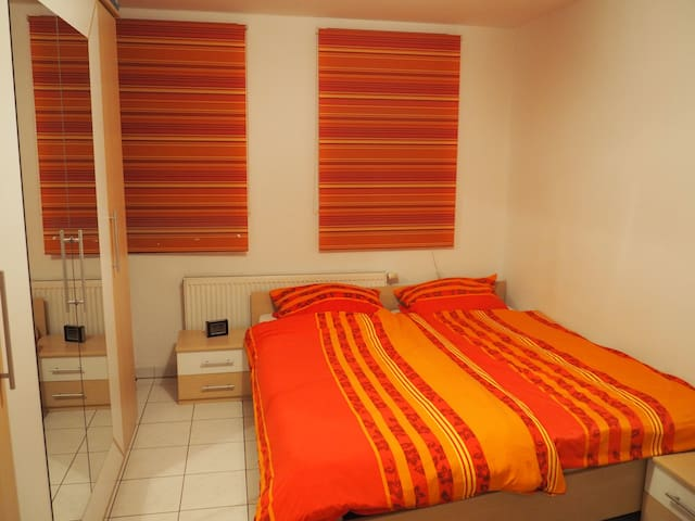 Nice room in comfy appartment, close to everything