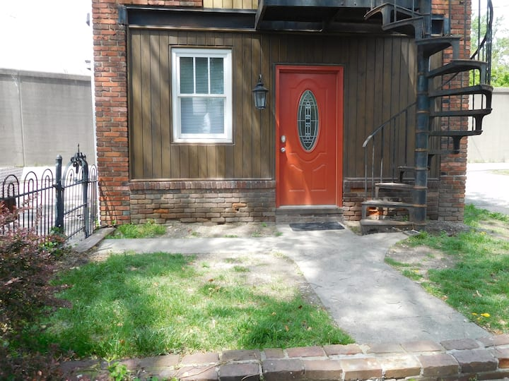Carriage House Apartment A