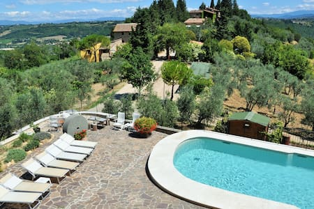 L' Olivo, cozy apartment in the heart of Chianti